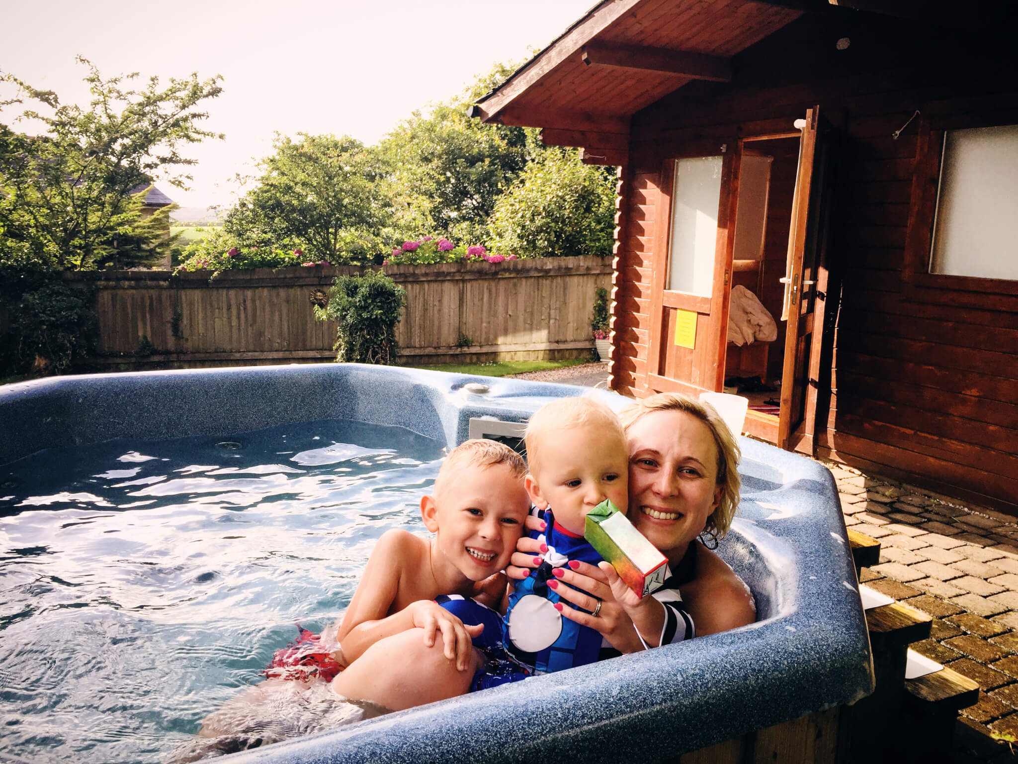 Hot Tub with Bromine Neutralizer 2